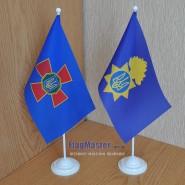 прапор національної гвардії України на подставці