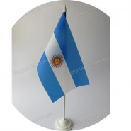 флаг Аргентины на подставке