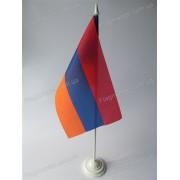 прапор Вірменії на підставці