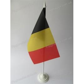 флаг Бельгиии на подставке