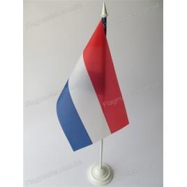 флаг Голландии на подставке