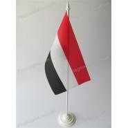 прапор Ємену на підставці