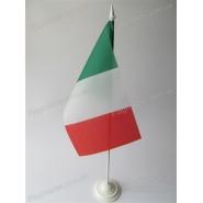 прапор Італії на підставці