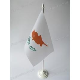 флаг Кипра на подставке