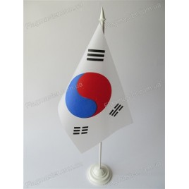 прапор Кореї на підставці