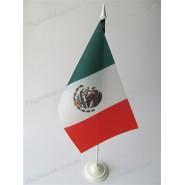 флаг Мексики на подставке
