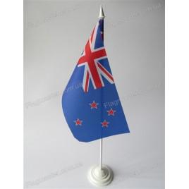 флаг Новой Зеландии на подставке