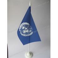 прапор ООН на підставці