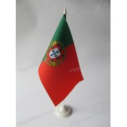 флаг Португалии на подставке