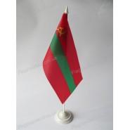 прапор Придністровської Молдавської Республіки на підставці