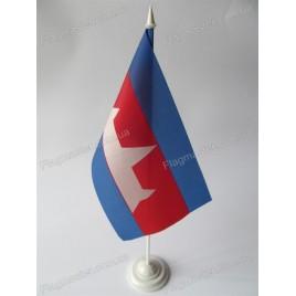прапор Камбоджі на підставці
