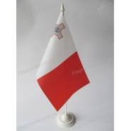 флаг Мальты на подставке