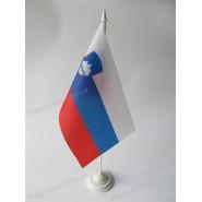прапор Словенії на підставці