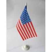 флаг США на подставке