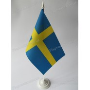 флаг Швеции на подставке