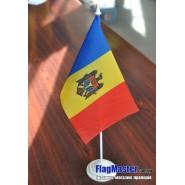 прапор Молдови на підставці
