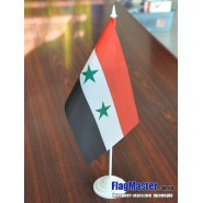 прапор Сирії на подставці