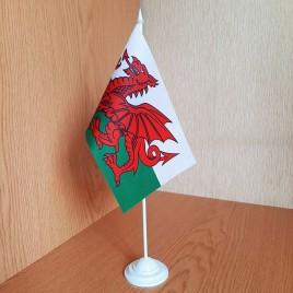 Флаг Уэльса на подставке